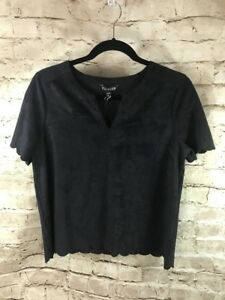 Express-Black-Faux-Suede-Scalloped-V-neck-Top-Size-Medium-NEW-Retails-29-A25