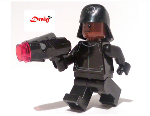 First Order Technician with blaster from 75132 LEGO Star Wars