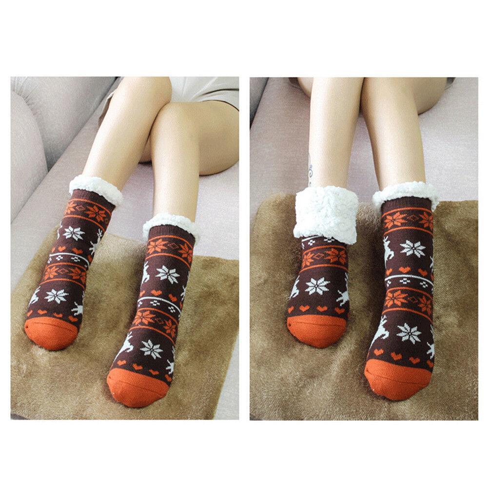 4 Pairs Of Women/'s Cosy Christmas Slipper Socks Xmas Non-Skid Socks Gift B09