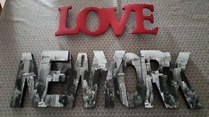 DECORATION NEW YORK ET LOVE  A POSER EXCELLENT ETAT