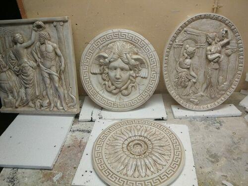 Tympanum Wandrelief Gipstuck groß griechische Skulptur Bas Relief Greek Lux