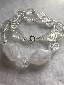 1930s-Style-Necklace-Lucite-Leaf-Bead-Vintage-Retro-Jewelry-Jewellery-Beaded