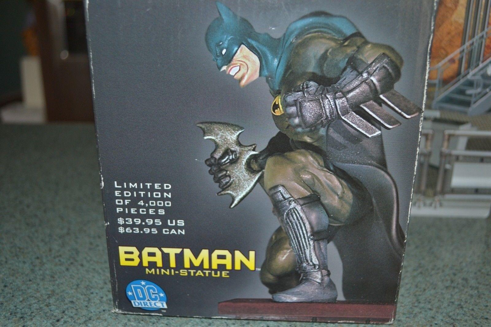 DC UNIVERSO DC estatua de Torre de Reloj de Batman DIRECT edición limitada de 4000