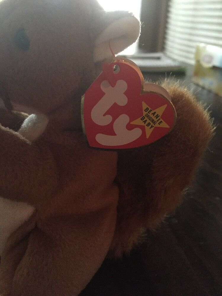 New Mint Condition Nuts The Squirrel Beanie Beanie Beanie Baby Multiple Errors PVC Pellets d3f949