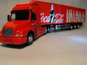 Modello-Volvo-ARTIC-CAMION-COCA-COLA-frigo-CAMION-VOLVO-NH12-Rosso-Camion-Scala-1-50