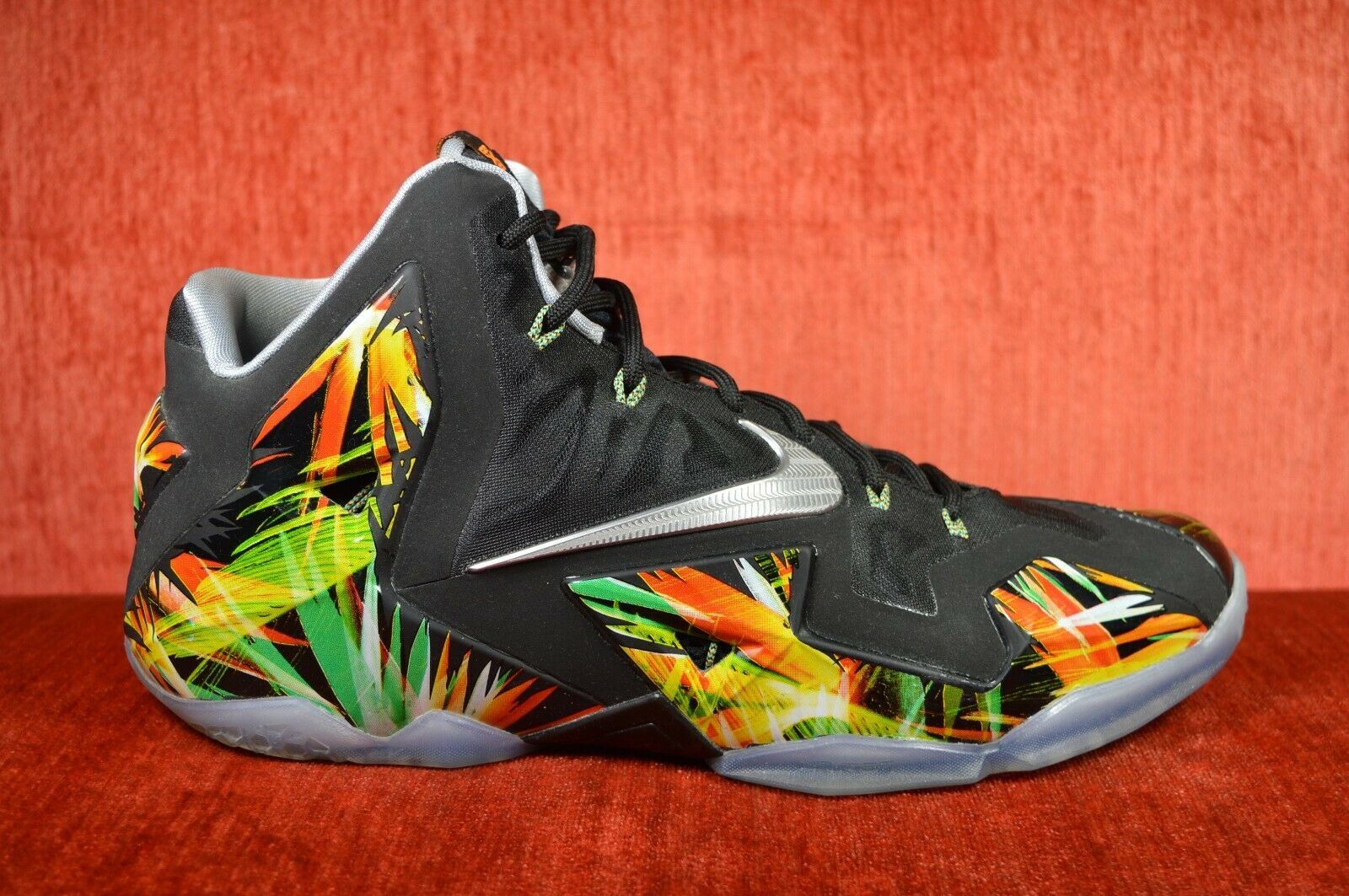 WORN TWICE Nike Lebron XI 11 Everglades Black Silver Green 616175-006 Size 11