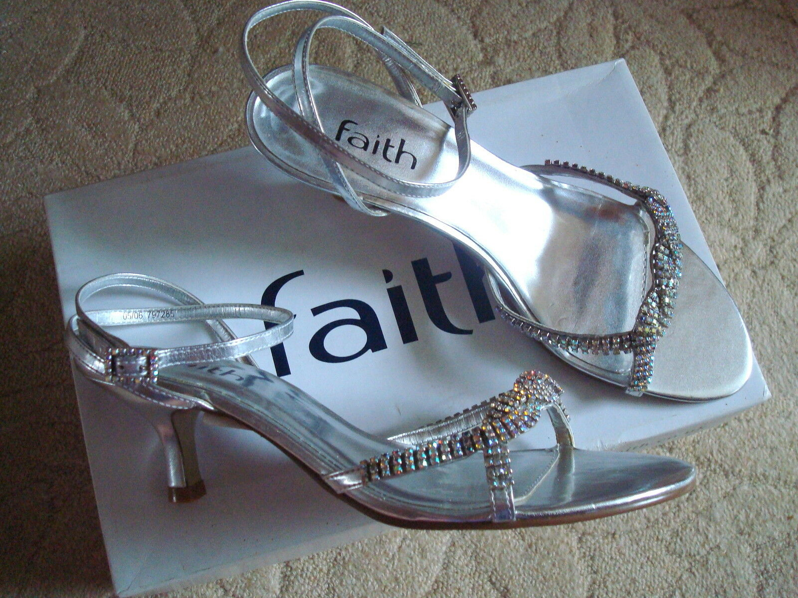 FAITH  CRYSTAL SILVER Kitten Heels & Jewel Buckles EVENING SANDLES 6 BNWT