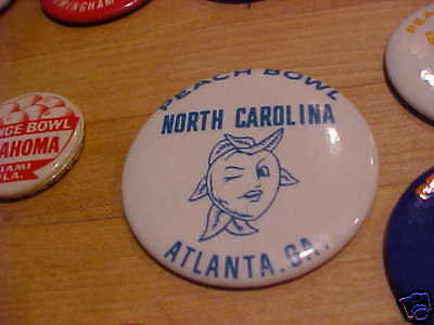"""Painstaking Unc North Carolina 1970 Peach Bowl Pin 2 1/4"""" Evident Effect Football-other"""