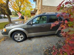 2005 Ford FreeStyle / Taurus X SE