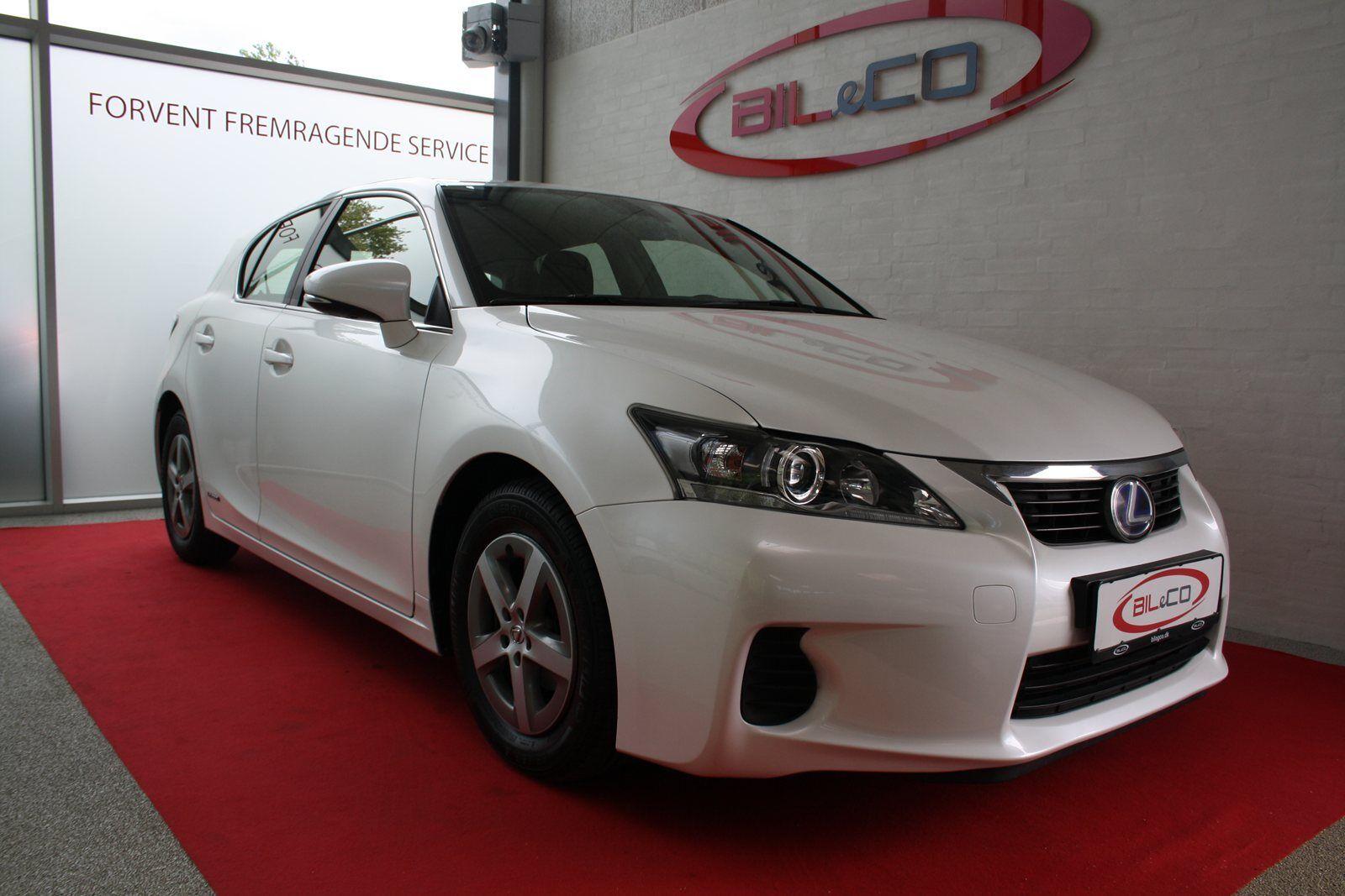 Lexus CT200h 1,8 L2 aut. 5d - 203.780 kr.