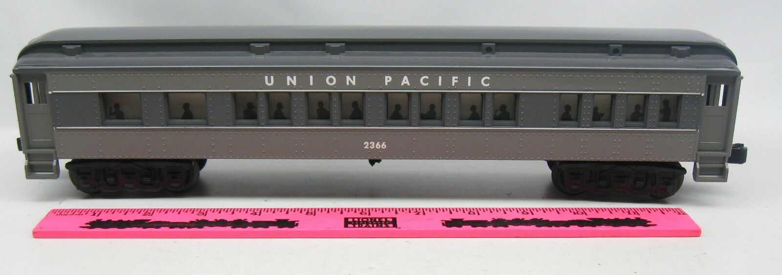 Lionel, K-line, Williams  Union Pacific 2366 Passenger Car