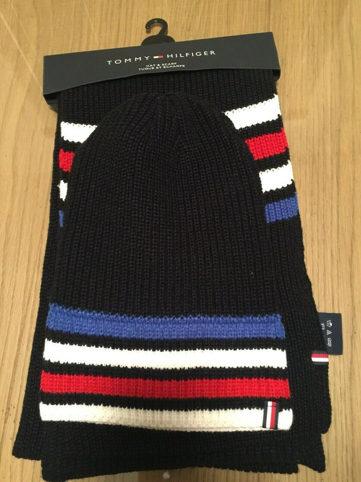 TOMMY HILFIGER Red White Black Knit Men's Scarf & Beanie Hat Set New