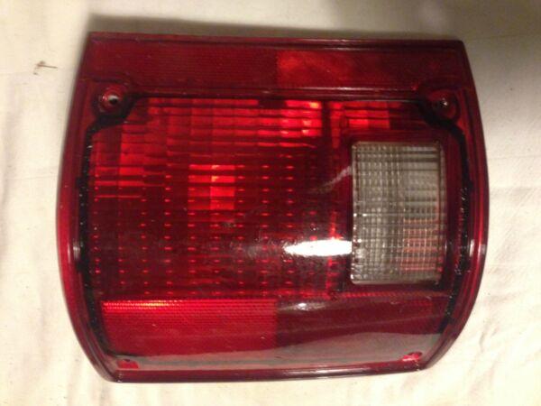 Volitivo Fanalino Posteriore 1980-86 Chevrolet K5 Blazer Silverado Sinistro Usa Code Circolazione Del Sangue Tonificante E Arresto Del Dolore