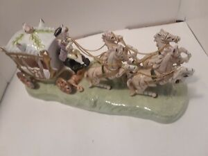 Vintage-CAPODIMONTE-Porcelain-Cinderella-Horse-Carriage-Figurine-13-034-Beautiful