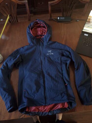 arcteryx Atom Lt jacket navy blue small