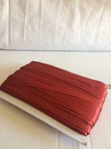 RUBAN SATIN DOUBLE FACE ROUGE FONCE PAR 2 M 1,0 cm