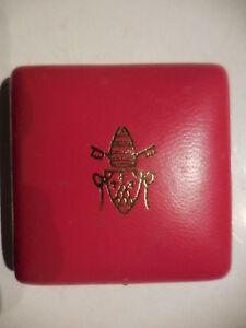 scatola-vuota-per-medaglia-Vaticano-Paolo-VI-rossa