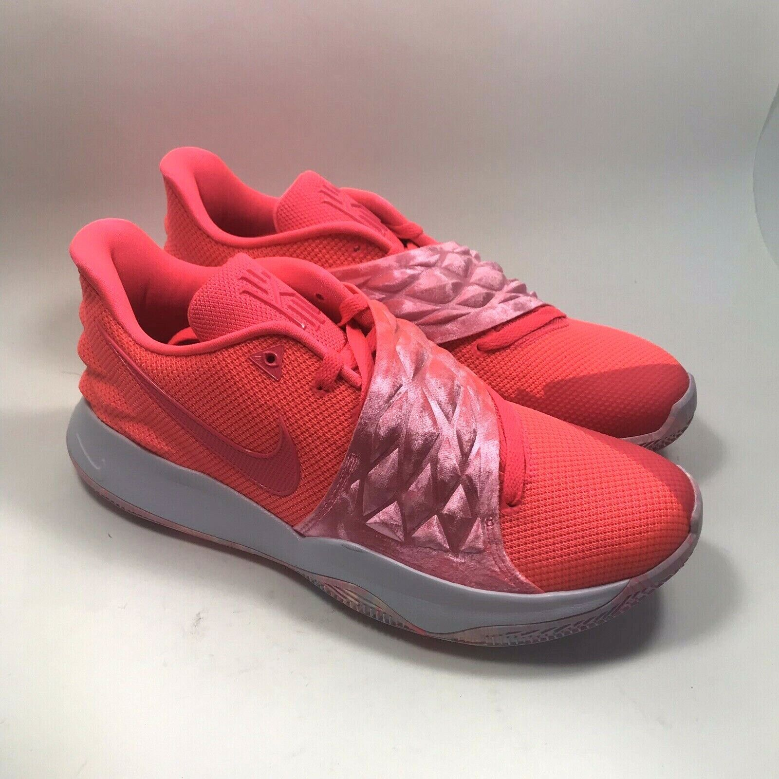 Nike Kyrie Low  Hot Punch  mens Size 12 AO8979-600 Pink Basketball shoes
