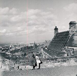 EDIMBOURG c. 1950 - Vue Prise du Château U.K. - Div 1454 7CmUd1Mt-09084309-128006995