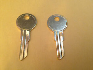 2 Husky Toolbox Keys Codes R616 R617 R618 R619 R620 Roll Away Tool Box Lock Key Ebay