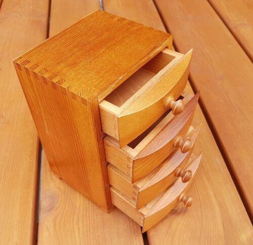 Hölzerne Schmuck Kästchen mit 4 Schubladen in Brauner Farbe