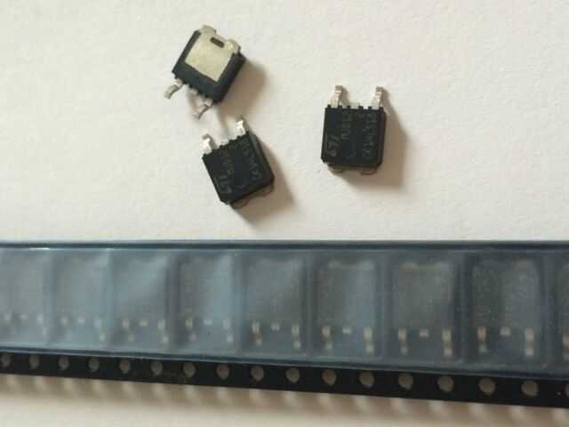 40 Stück NPN Darlington Transistor Power MJD122T4 SMD DPAK TO252 STMicro (TM7)