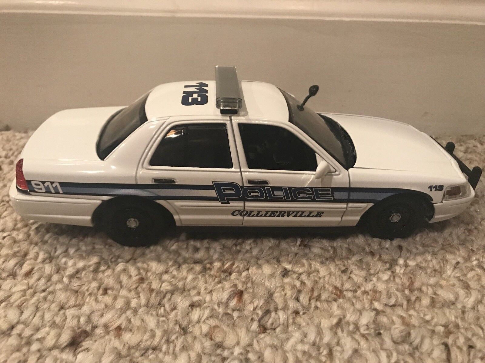 Collierville Tennessee Tennessee Tennessee Police Department diecast car 1 24 scale Ford Crown Vic 91e28e