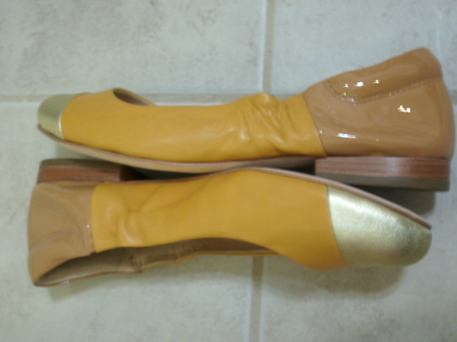 BE & D D D FLATS  9.5 M STEVIE gold LOAFERS CLOSED TOES LEATHER MOCCASINS NEW 1e4fe5