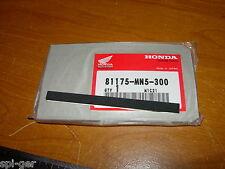 88-00 GL-1500 HONDA Gold-Wing New O/E Trunk Pocket Seal Rubber No. 81175-MN5-300