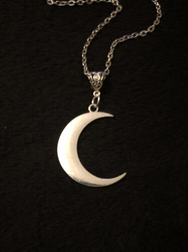 """Large Crescent Moon Horn Necklace Long 30""""Chain Silver Native American Indian UK"""