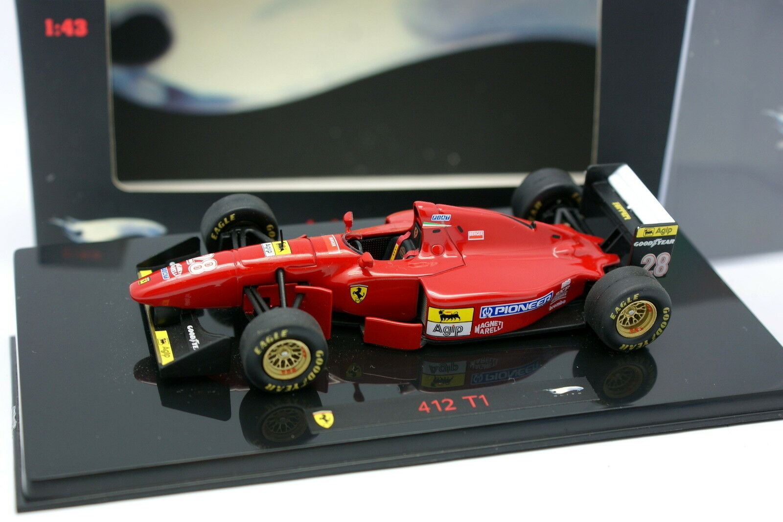 Hot Wheels 1 43 - F1 Ferrari Ferrari Ferrari 412 T1 e0b0c5