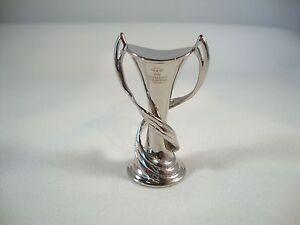 UEFA-Women-s-Champions-League-tm-Pokal-45-mm-Sieger-3D-CL-Lyon