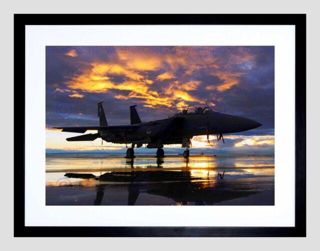 PHOTOGRAPH MILITARY AIRCRAFT FIGHTER BOMBER JET SUNSET FRAMED ART PRINT B12X3716