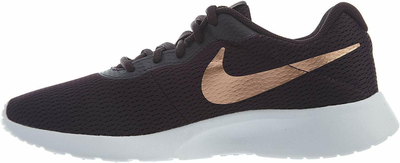 Nike Womens Tanjun Shoe Size 6.5