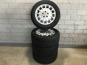 Phrase-Jantes-alu-avec-pneus-hiver-Mercedes-Benz-Classe-E-Goodyear-Eagle-Ultra