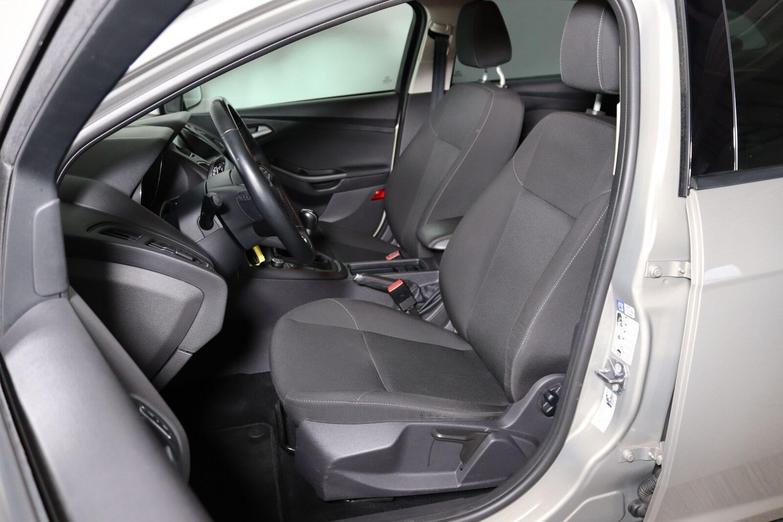 Ford Focus 1,6 TDCi 115 Business stc. - billede 4