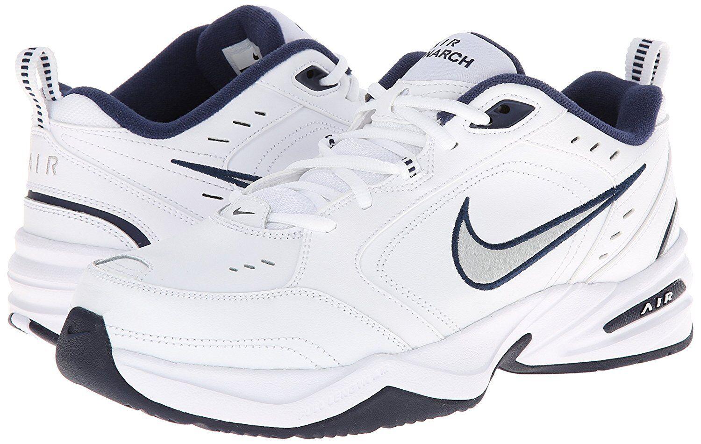 Nike air monarca iv uomini bianchi / argento metallico medio e 4e ampie scarpe casual