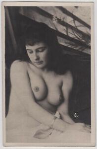 Original-vintage-1920s-busty-Austrian-nude