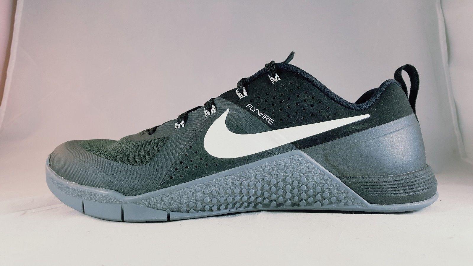 Seasonal clearance sale Nike Metcon 1 Men's Cross Training Shoe 704688 001 Comfortable