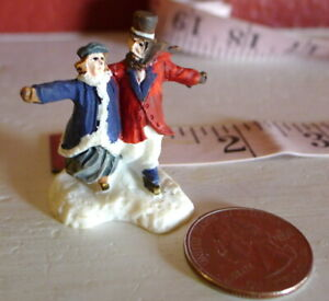 Grandeur-Noel-Christmas-Miniature-Village-Noel-Victorian-Ice-Skating-Couple