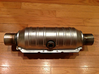 "Magnaflow 99354HM High-Flow Catalytic Converter Round 2/"" In//Out w// O2 Port"