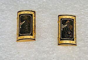 Vintage-Damascene-Gold-Tone-Clip-on-Earrings-1960s-1-2-034-x-3-4-034