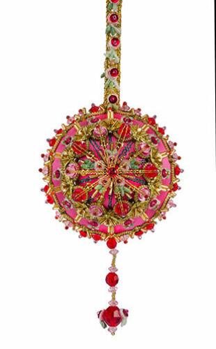 La Caja De Galletas Gypsy Joyas Desert Sunset con detalles rojos de Navidad ornamento kit