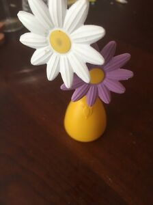 Vtg Little Tikes Fun with Pretend Play Food Dishes Yellow Vase & 2 Flowers