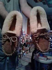 LL-BEAN-Women-039-s-Brown-Suede-Shearling-Lined-Wicked-Good-Moccasin-Slippers-Size-9