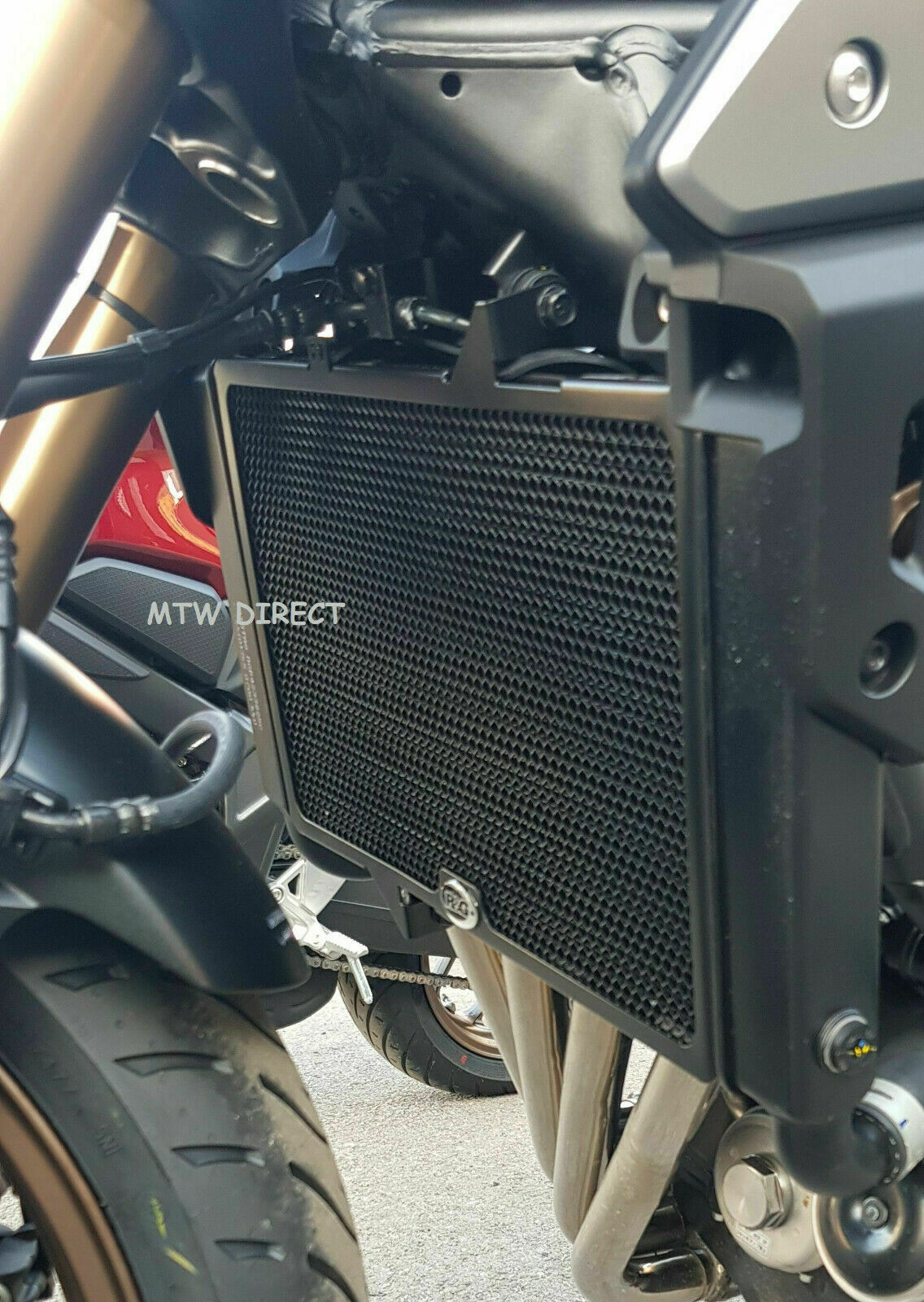 R/&G RADIATOR GUARD GRILL BLACK PROTECTOR RAD0155BK