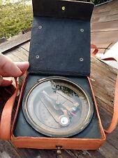 Boussole compas Brunton Kelvin & Hughes, laiton avec étui cuir,diametre 10cm