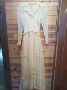 VINTAGE-ANTIQUE-EARLY-1900-039-S-HANDMADE-ANTIQUE-WHITE-WEDDING-DRESS-VEIL-FULL-SLIP