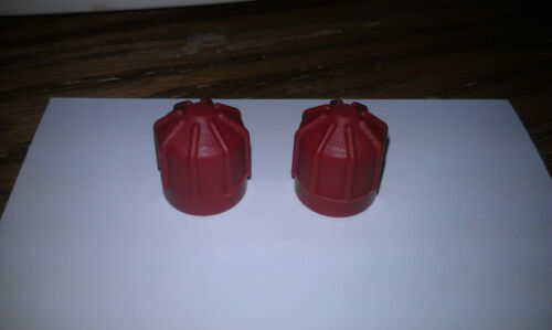 M10 x 1.25 RED HIGH Set of 2 R134a Service Port Cap FJC#2611