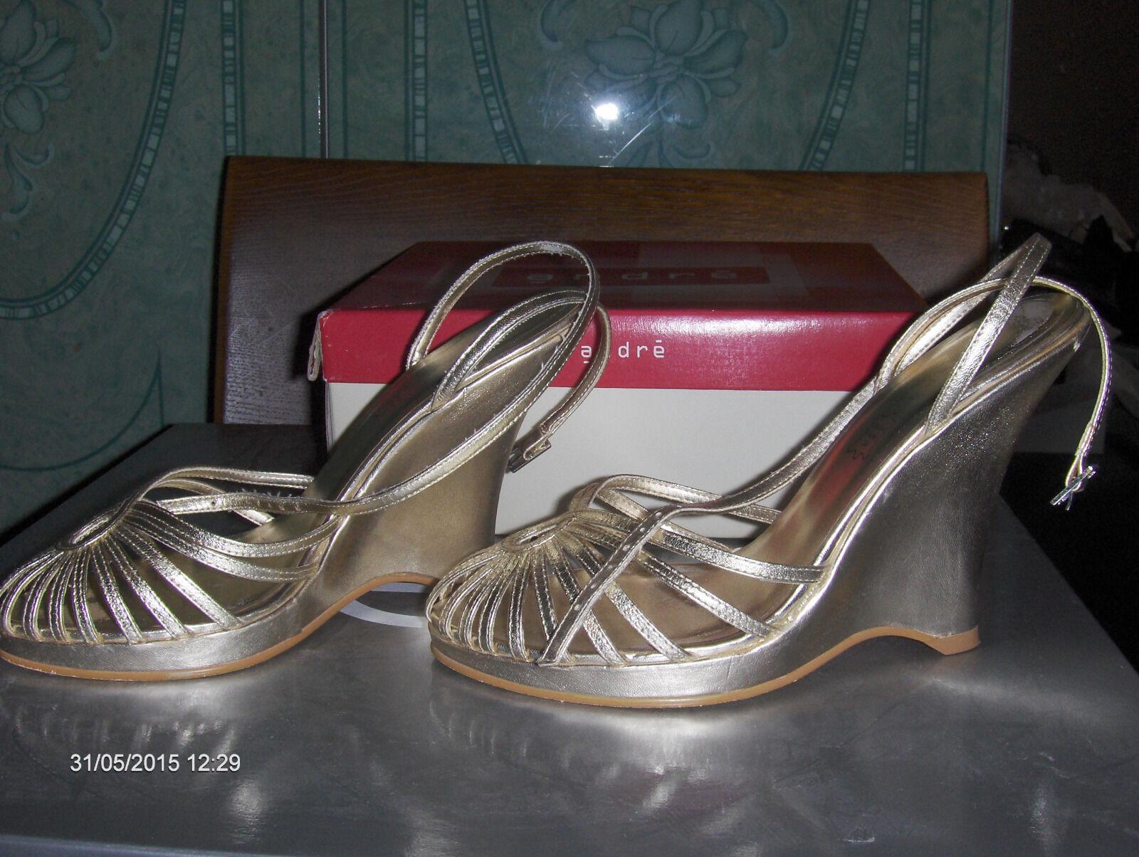 Sandaletten Abendschuhe ANDRE Echt Leder Gold Paris Galerie Lafayette Gr 38 Top